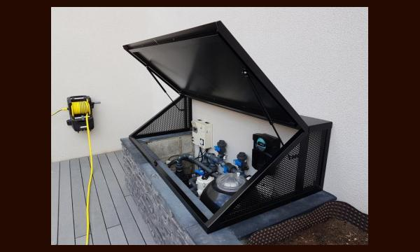 Coffre cache machinerie piscine