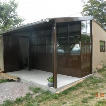 Atelier en huisserie métallique